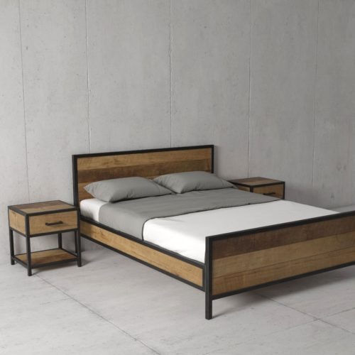 Urban Woodcraft | 62'' Queen Bed Opus 3